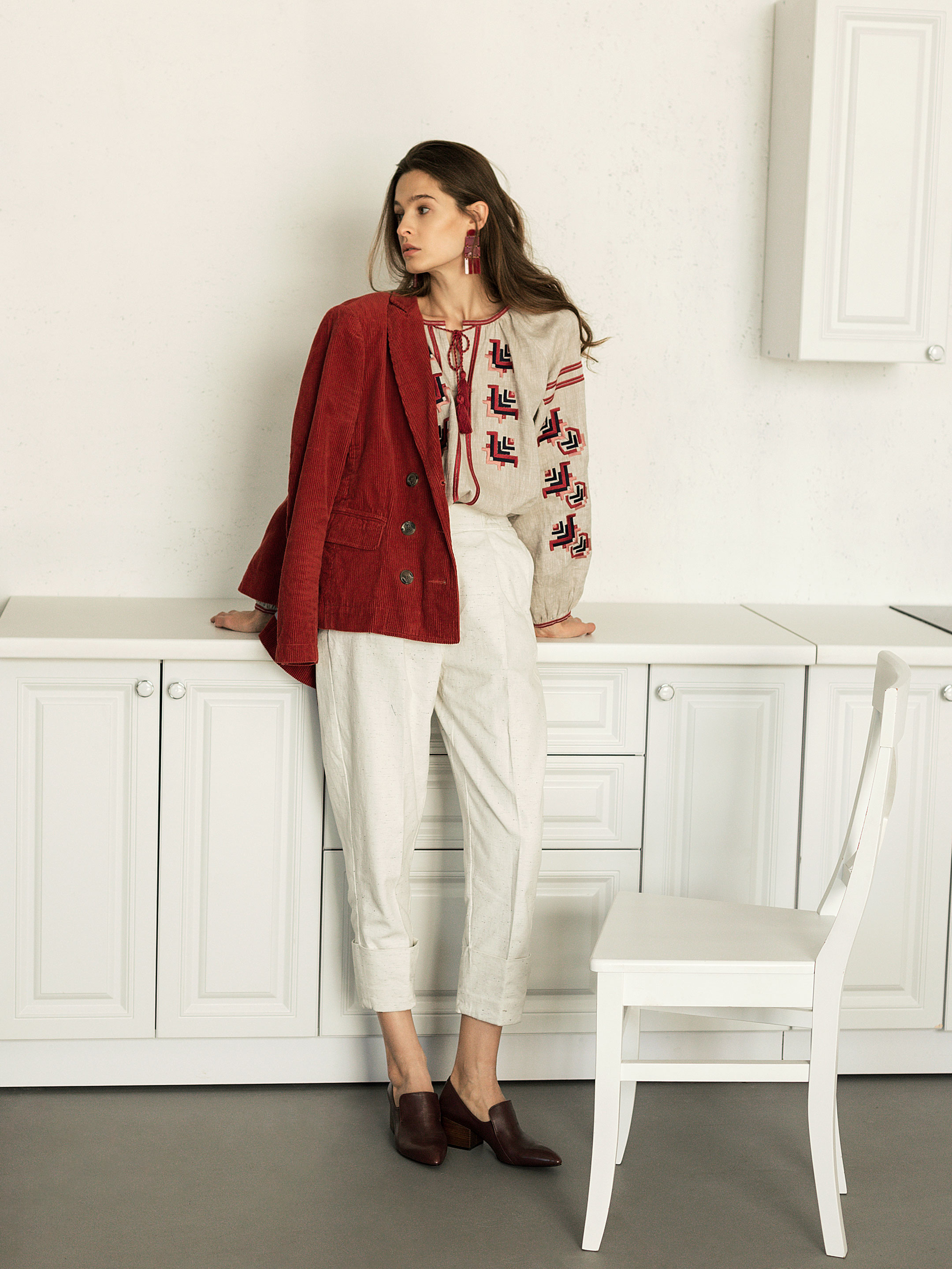 Embroidered shirt in grey linen Maky G 4