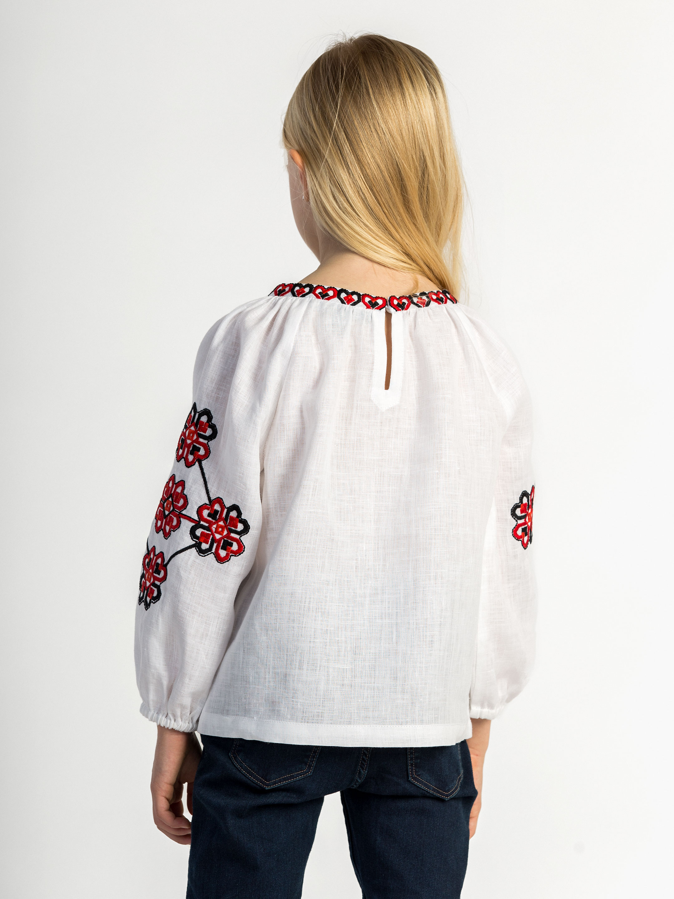 Embroidered shirt for girls Red Heart 5