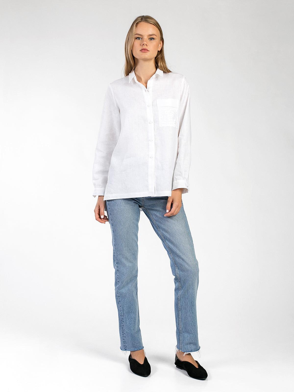 1dc95a1b6f80 Белая льняная рубашка с вышивкой на кармане Simple 3 – купить в ...