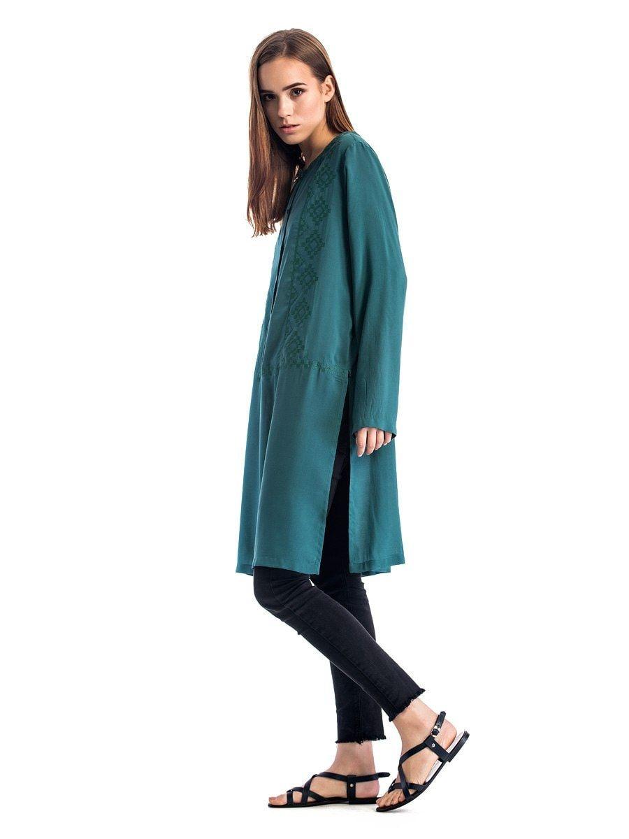 ... Жіноча блуза вільного крою зеленого кольору з батисту Light 2 3 ... 020b8e92e4a00