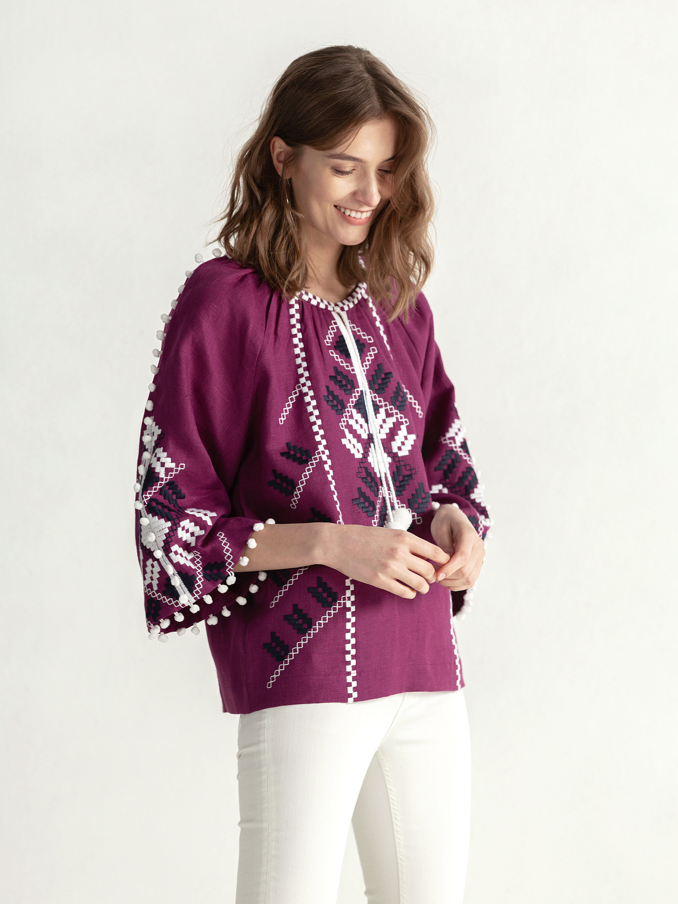 Embroidered shirt in boho style with purple linen Bee white 8