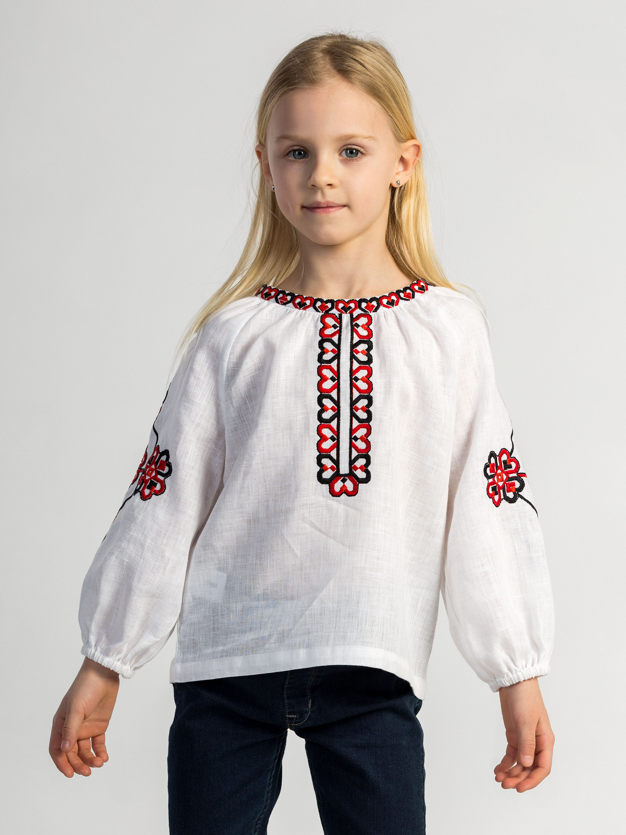 Embroidered shirt for girls Red Heart 6