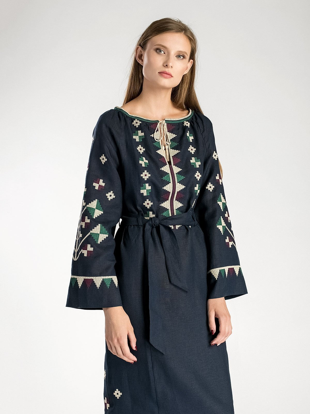 Темно-синее длинное вышитое платье под пояс ETHNO4. Темно-синя довга вишита  сукня під ... 83f14513c5c5c