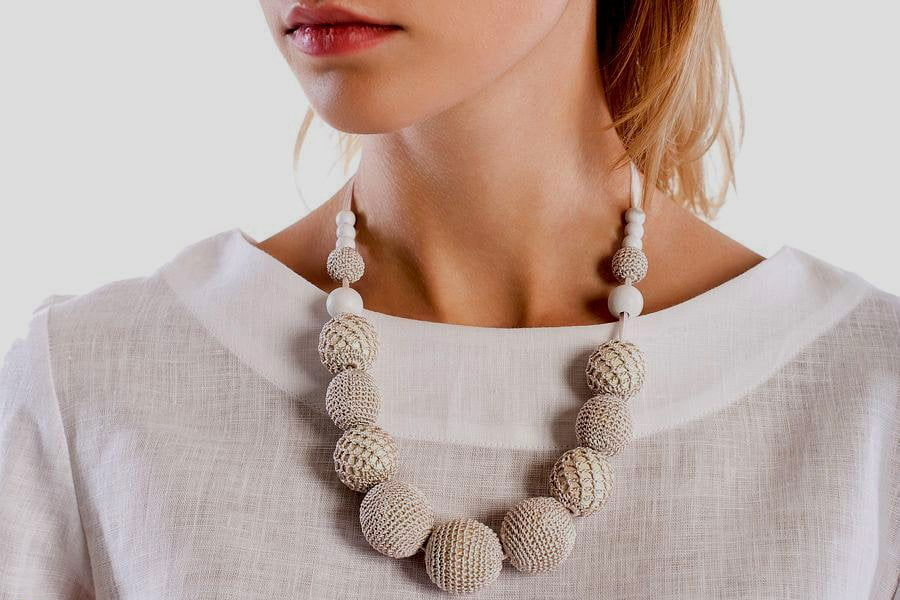 How to choose necklaces: the style of ethno