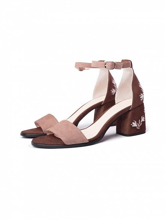 Жіноче взуття колір коричневий. Женские вышиванки Фото 8. Женские вышиванки  Фото 6 f4ac6eb726215