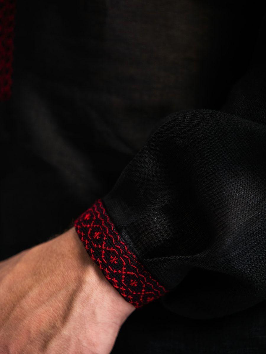 Черная льняная вышиванка с красным орнаментом Б1 Фото 2