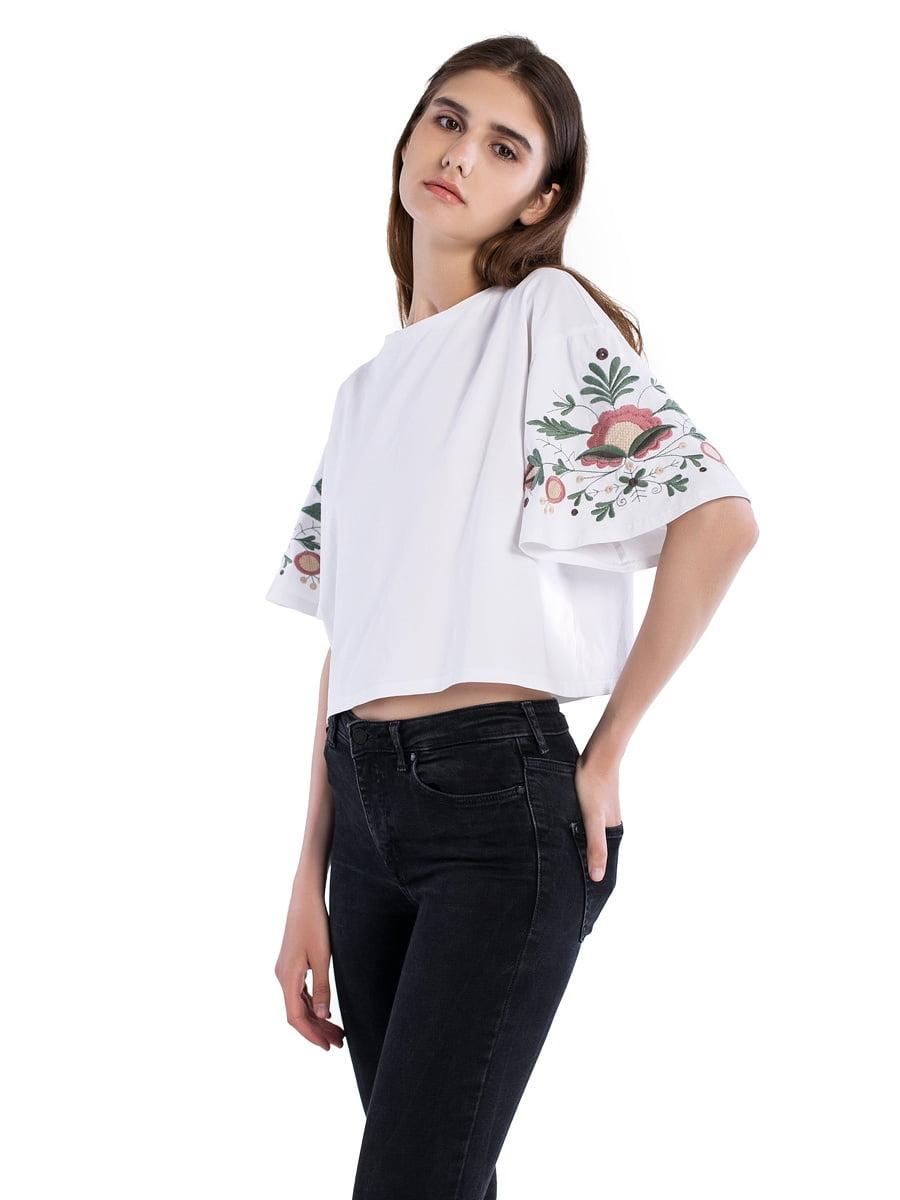 Женская футболка с вышивкой на рукавах Bloom White – купить в Киеве ... 523ed7df041b3