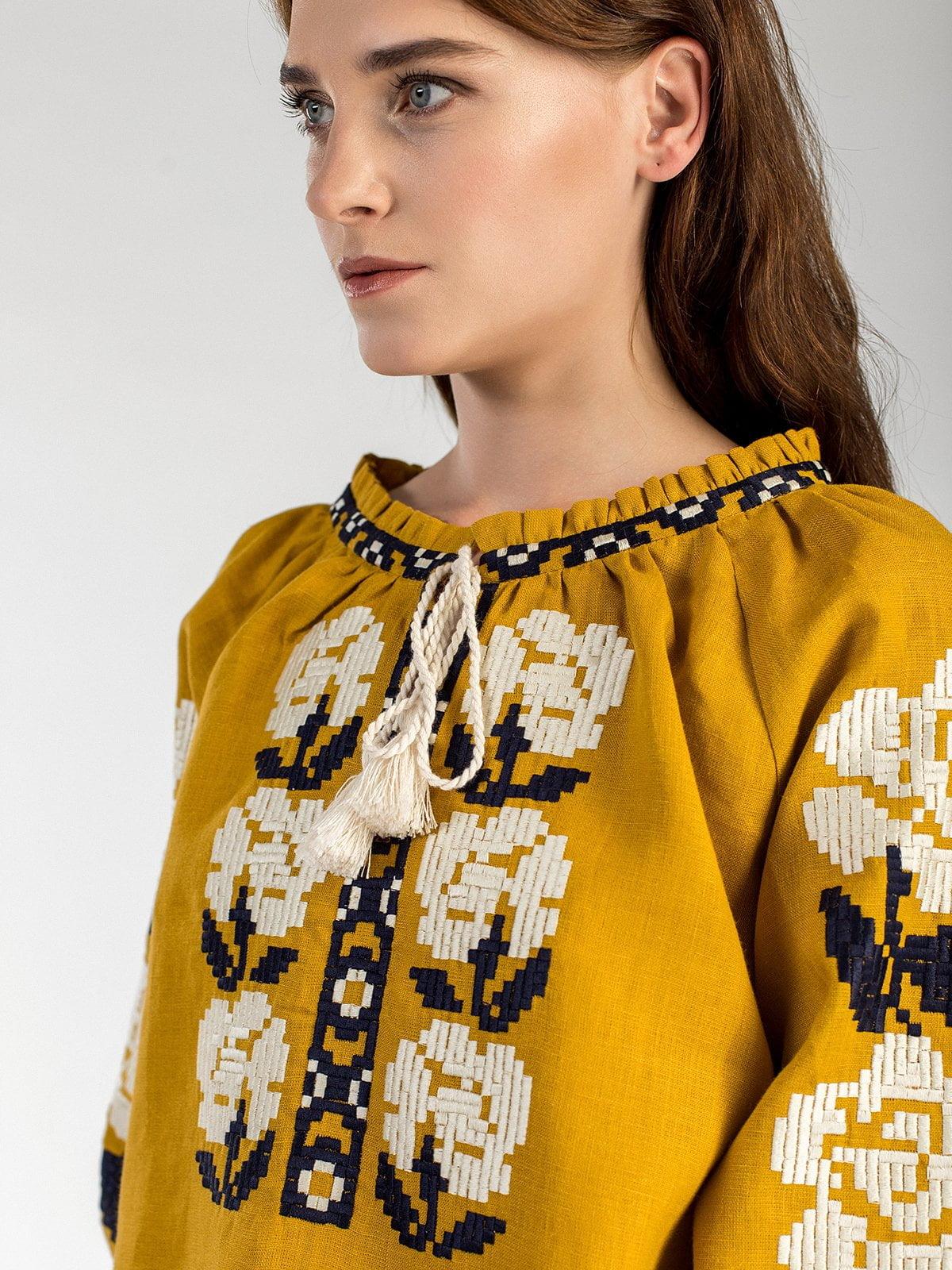 Вишиванка з жовтого льону з квітковим орнаментом FLOW 1 – купити в ... c26b2eb29c6e7
