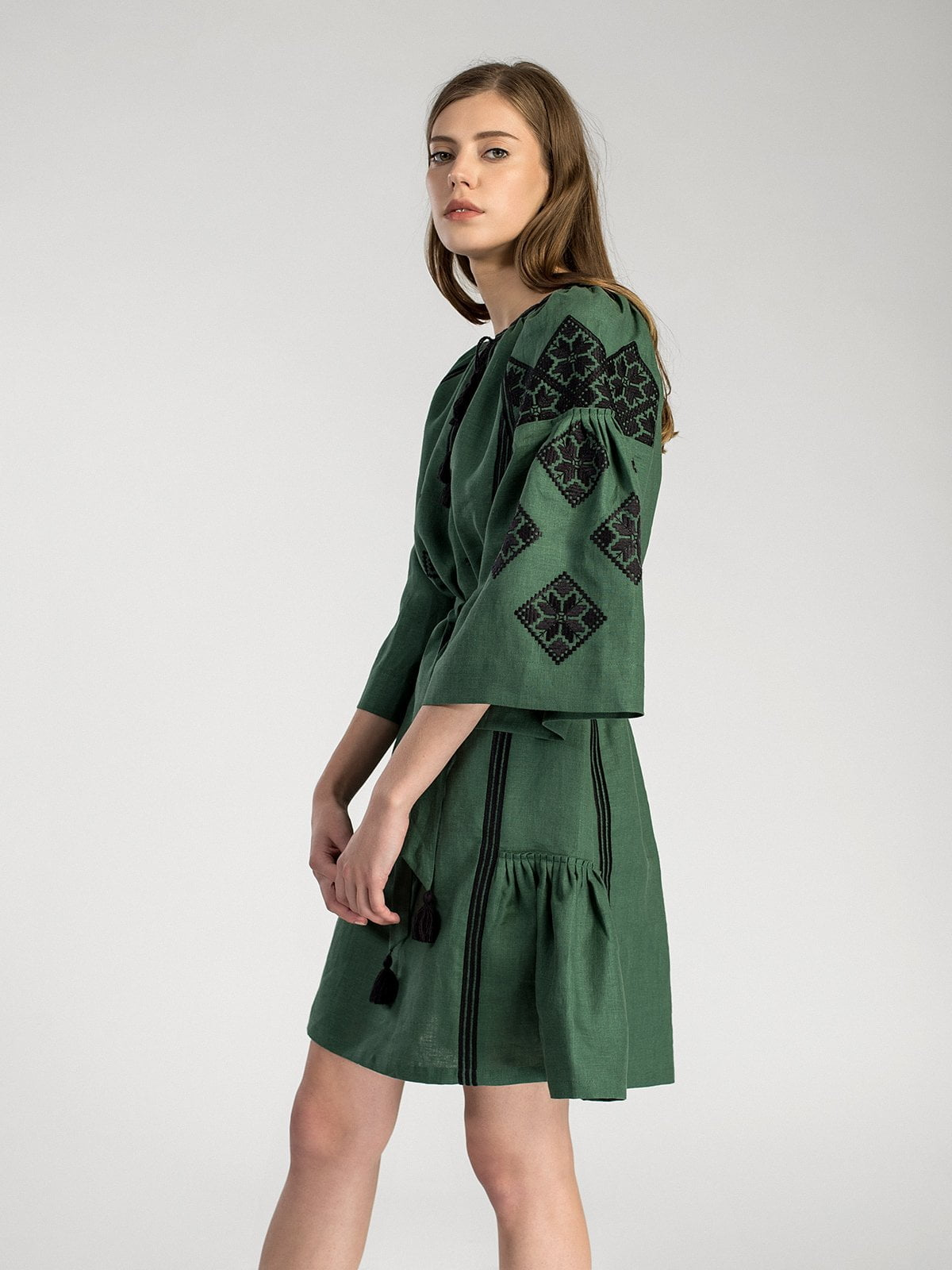 Темно-зелена вишита сукня з пишними рукавами MD22 Green – купити в ... a2ed2f8c48861