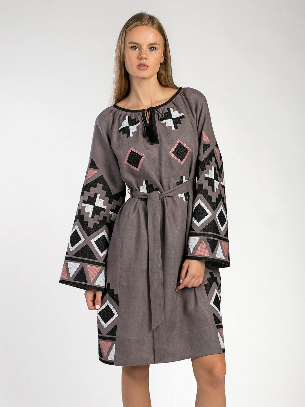 c358d2077fa ... Графитовое платье свободного кроя с массивной вышивкой ETHNO8 ...