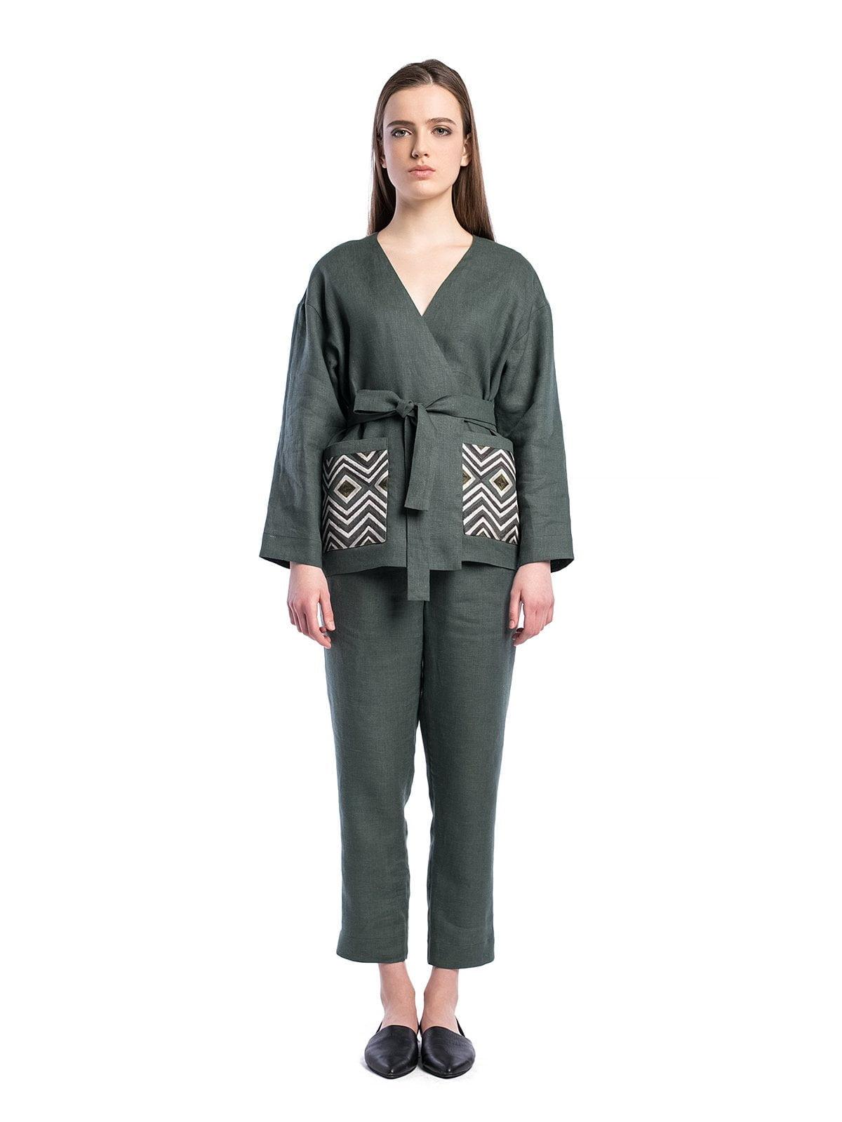 54b86bd7614803e Базовый брючный костюм из темно-зеленого льна BS2 – купить в Киеве и ...