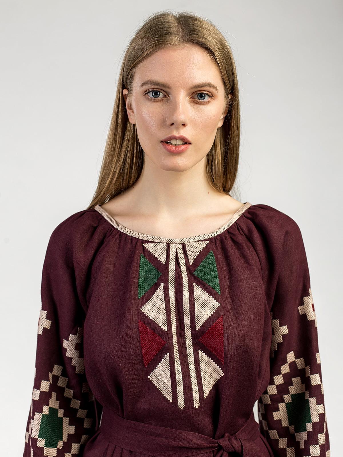 753135f4197f7d Бордовое платье с массивной геометриеской вышивкой ETHNO7 – купить в ...