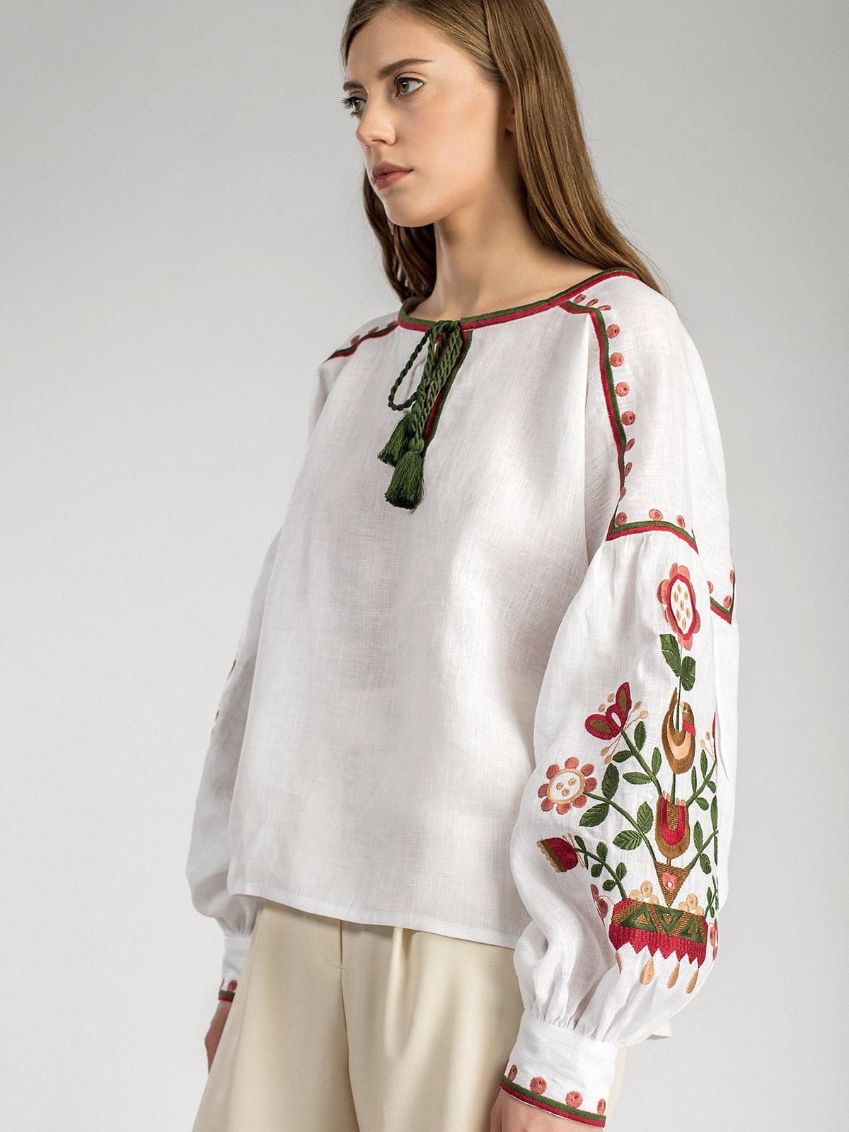 Біла жіноча вишиванка East Bird – купити в Києві та Українi  facf4d03ed396